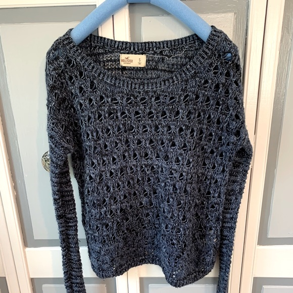 Hollister long sleeve sweater knit size small